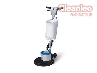 在操作洗地机之前,用户应仔细检查洗地机的完整性