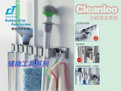 手推式洗地机厂家添加洗涤剂时,应添加一定量的消泡剂