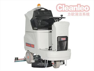 驾驶式洗地机有紧凑型的设计方案和高性价比的优势